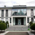 Villa mit Aluminiumfenstern